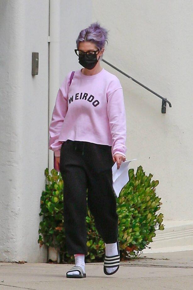 Kelly Osbourne - In a pink sweatshirt that reads 'Weirdo' in Beverly Hills