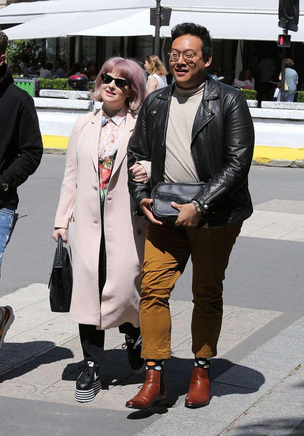 Kelly Osbourne: Strolling with a Man in Paris-09