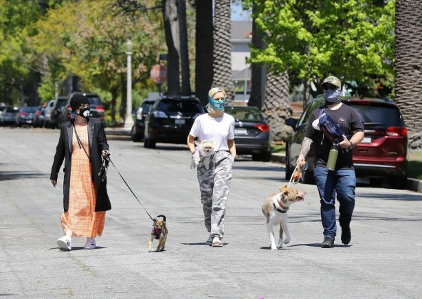 Kelly Osbourne with brother Jack Osbourne and Aree Gearhart - Out for a walk