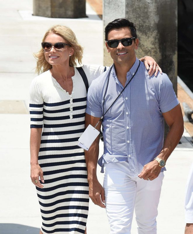 Kelly Ripa and Mark Consuelos at 2018 Comic Con in San Diego