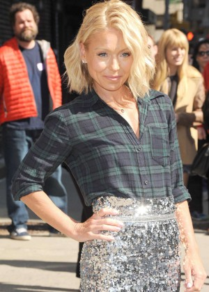 Kelly Ripa - Arriving at The Late Show with David Letterman in NY