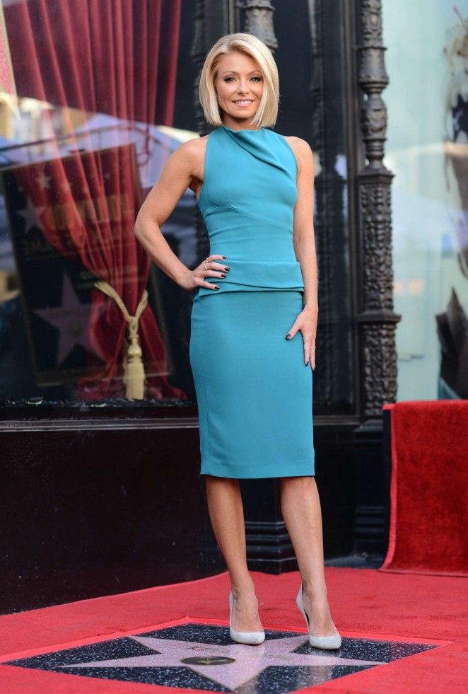Kelly Ripa - Honored with a star on the Hollywood Walk of