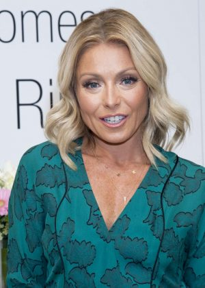 Kelly Ripa - Kelly Ripa Home Collection For Macy's Launch in NYC