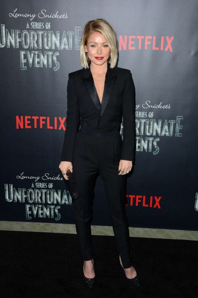 Kelly Ripa: Lemony Snickets A Series Of Unfortunate Events Screening -03