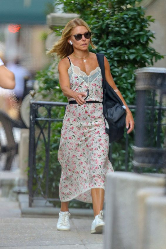 Kelly Ripa - Out and about in New York City