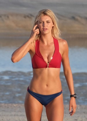 Kelly Rohrbach - Filming Scenes for 'Baywatch' in Tybee Island