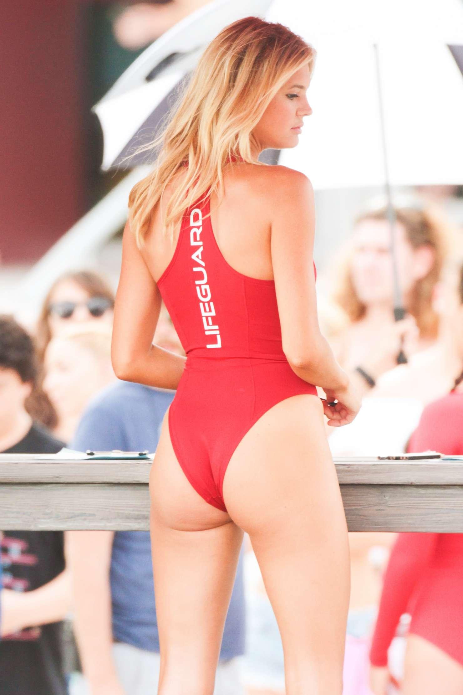 Alexandra daddario hottest girl - 1 part 2
