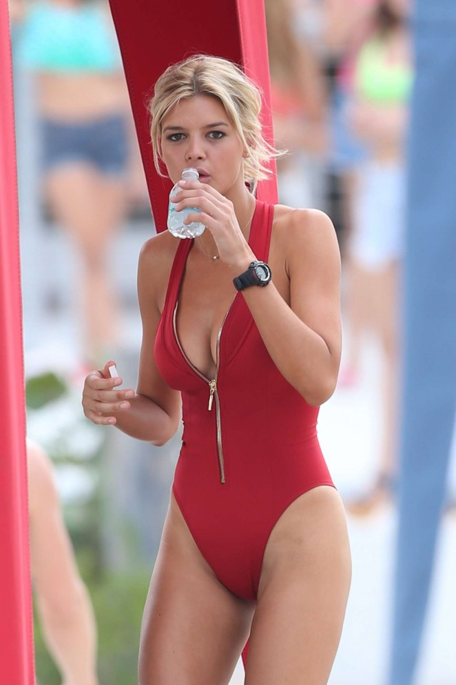 Kelly Rohrbach hot In Swimsuit-40