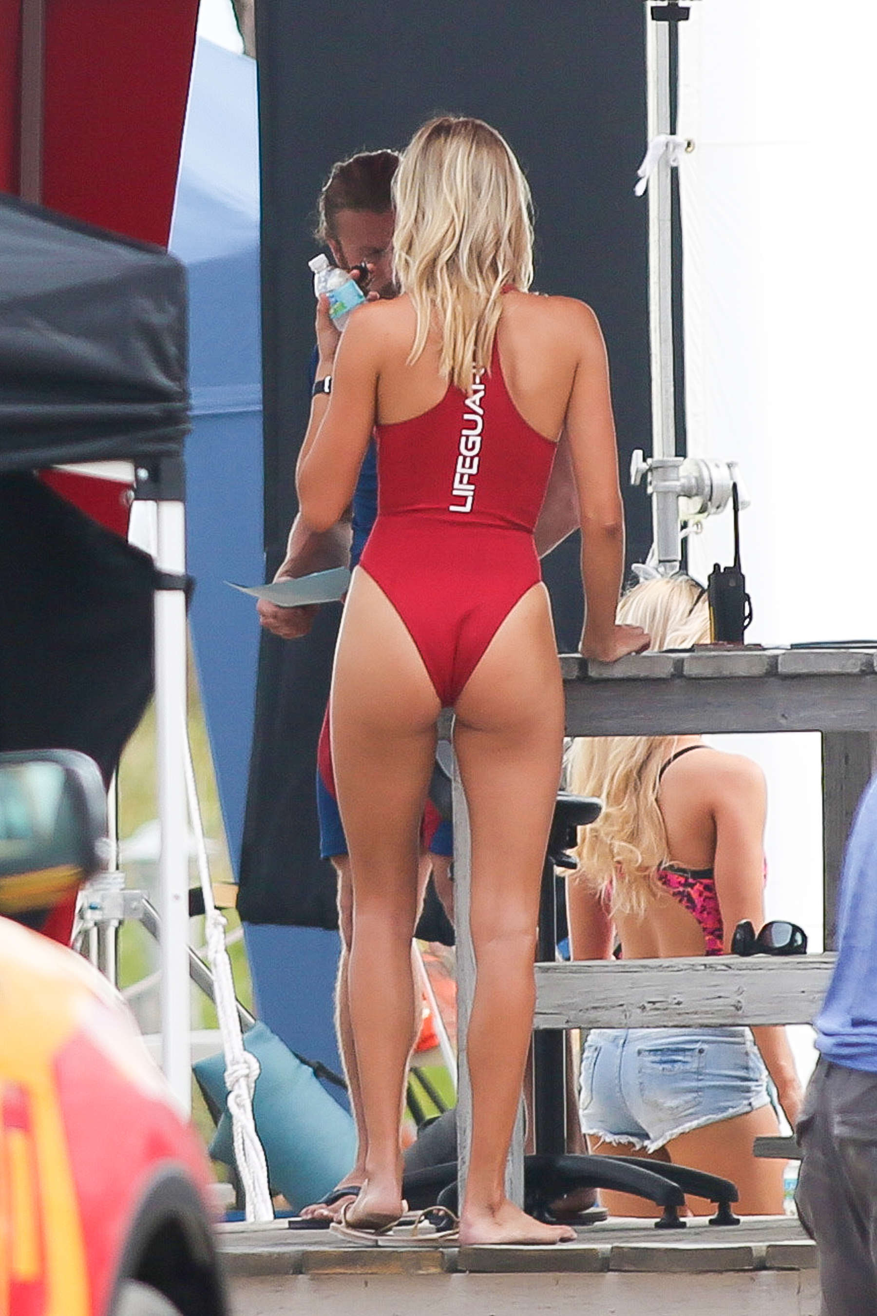 Kelly Rohrbach In Red Swimsuit Onbaywatch Set 24 Gotceleb