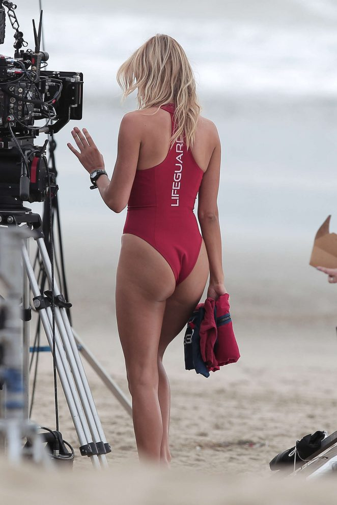 Kelly-Rohrbach-in-Red-Swimsuit-on-Baywat