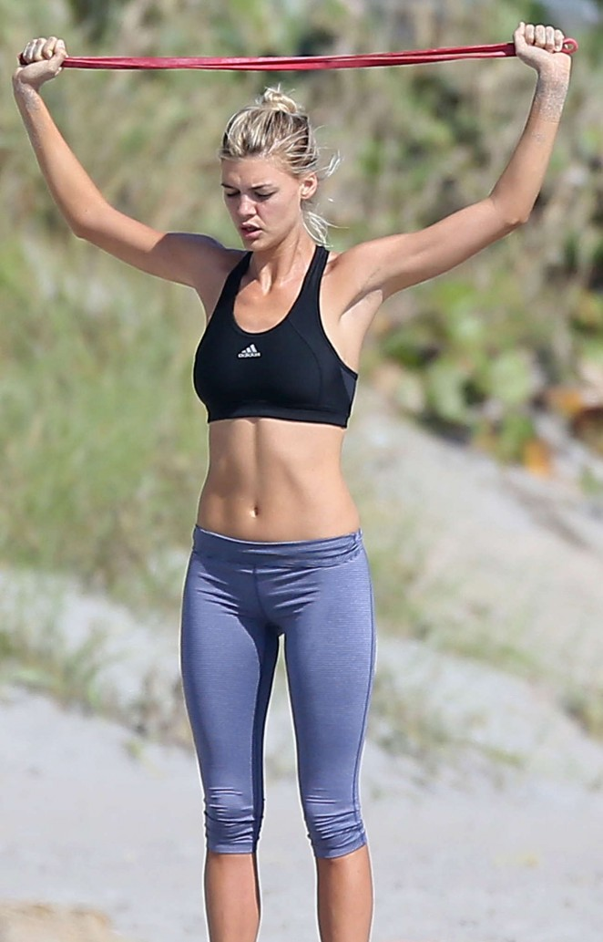 Kelly Rohrbach in Spandex Workout -02