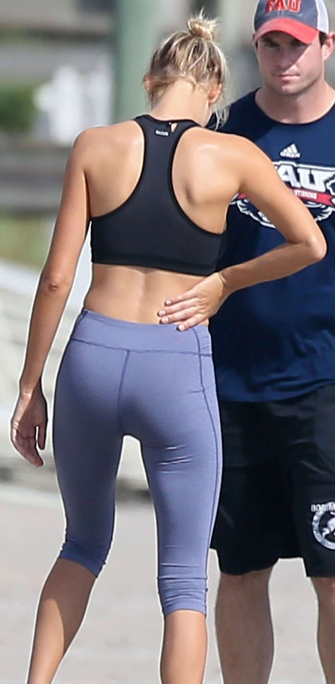 Kelly Rohrbach in Spandex Workout -08
