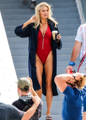 Kelly Rohrbach on Baywatch set -19