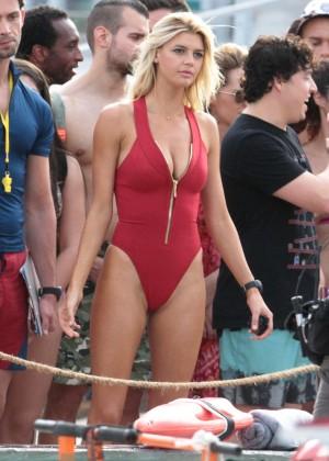 Kelly Rohrbach on Baywatch set -60