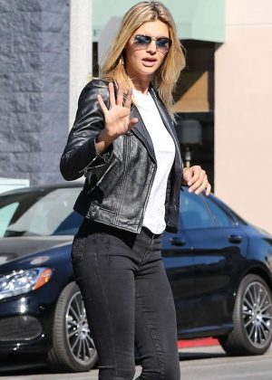 Kelly Rohrbach - Shopping at Rag and Bone in West Hollywood