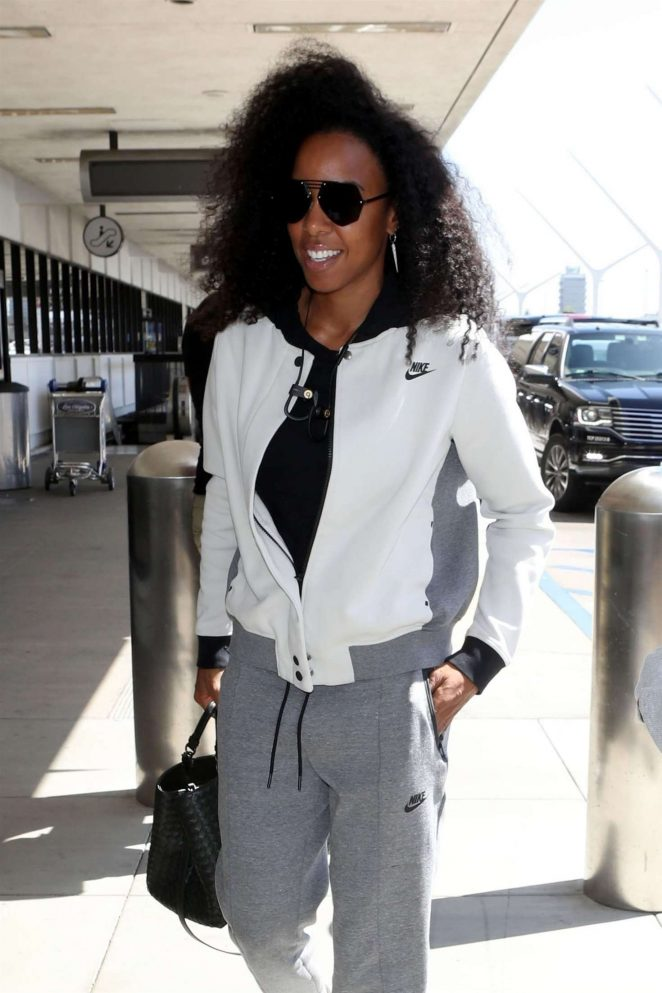 Kelly Rowland - Arriving at LAX Airport in Los Angeles