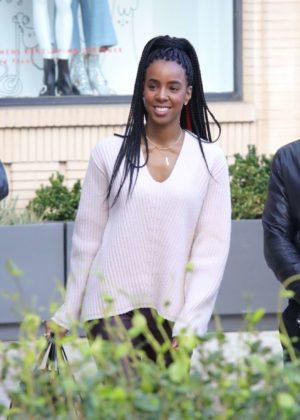 Kelly Rowland - Christmas Shopping at Barney's New York in LA