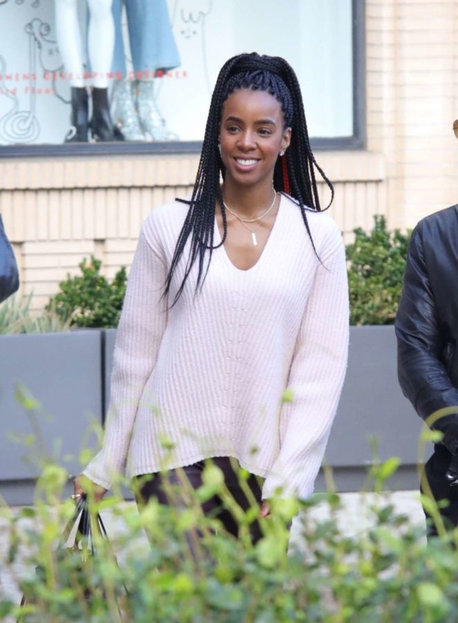 Kelly Rowland - Christmas Shopping at Barney's New York in LA