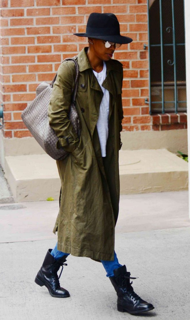 Kelly Rowland in Long Coat Out in Beverly Hills