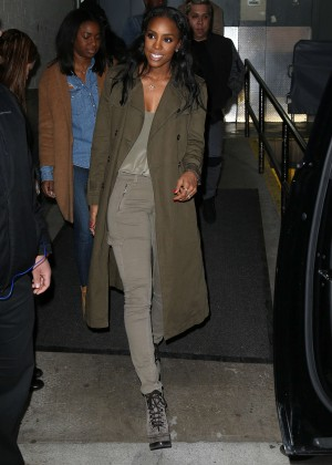 kelly rowland   leaving aol building in new york city