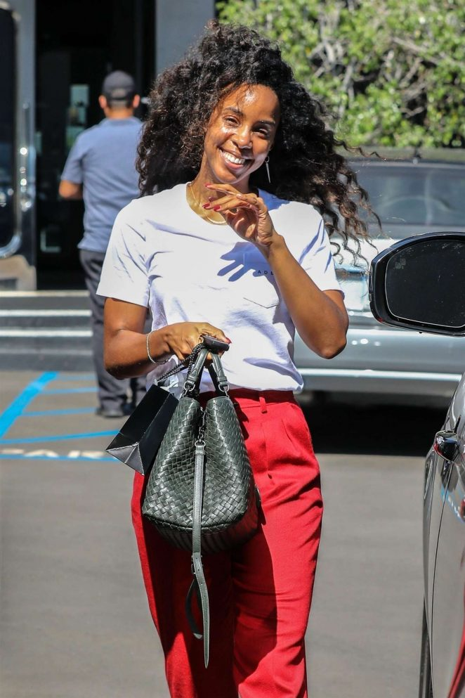 Kelly Rowland - Leaving XIV Karats jewelry store in Beverly Hills