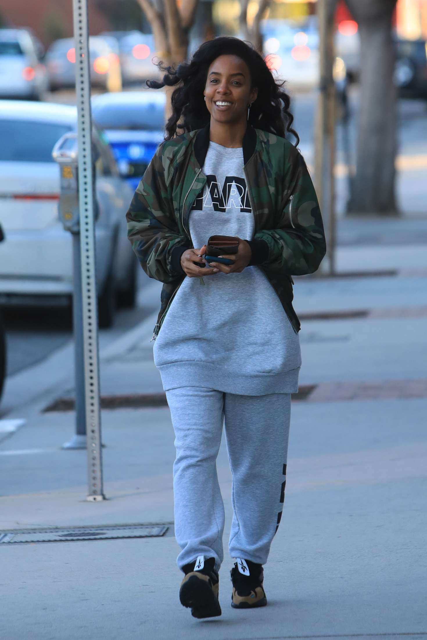 Kelly Rowland - Out and about in Los Angeles