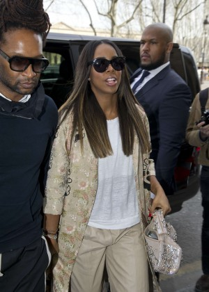 Kelly Rowland: Out and about in Paris -01