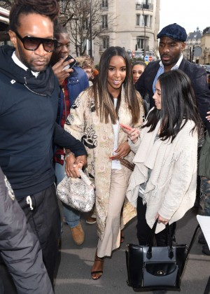 Kelly Rowland: Out and about in Paris -02