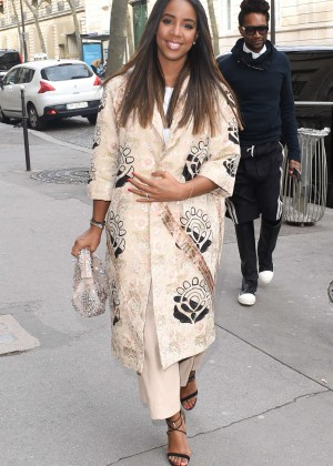 Kelly Rowland: Out and about in Paris -06