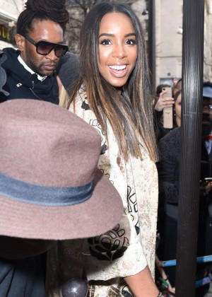 Kelly Rowland: Out and about in Paris -10
