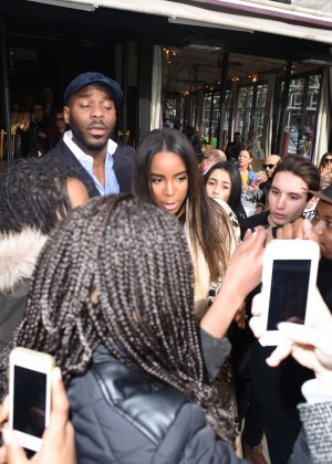 Kelly Rowland: Out and about in Paris -12