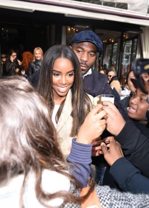 Kelly Rowland: Out and about in Paris -14