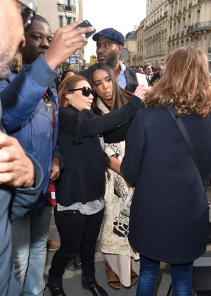 Kelly Rowland: Out and about in Paris -15