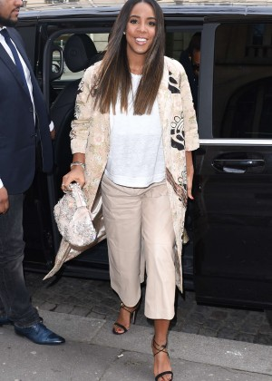 Kelly Rowland: Out and about in Paris -16