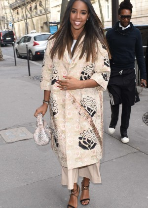 Kelly Rowland: Out and about in Paris -19