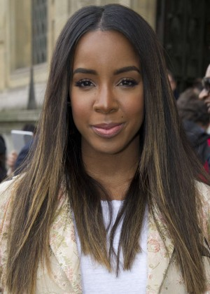 Kelly Rowland: Out and about in Paris -21