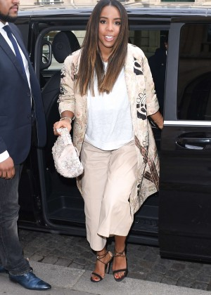 Kelly Rowland: Out and about in Paris -24