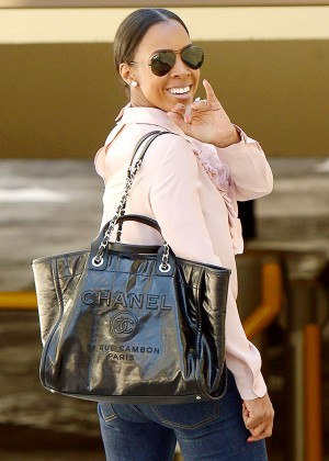 Kelly Rowland - Out for lunch in Beverly Hills