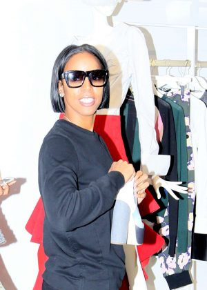 Kelly Rowland out shopping in Florence