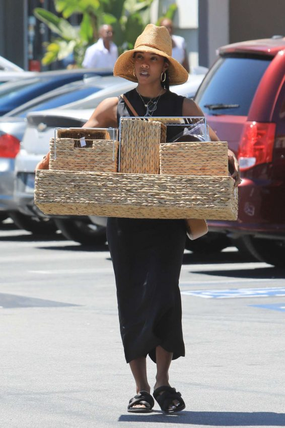 Kelly Rowland - Shopping at the Container Store in LA