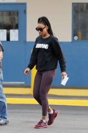 Kelly Rowland - Visits a DMV Office in Los Angeles