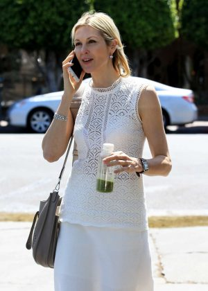 Kelly Rutherford in White on Melrose in Los Angeles