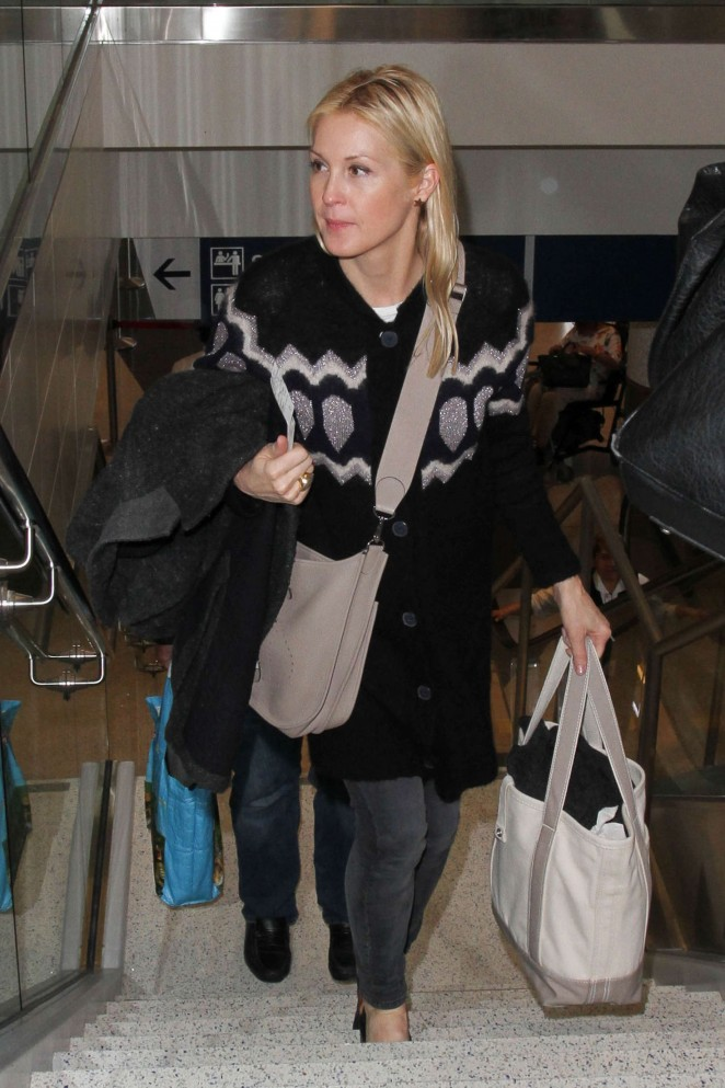 Kelly Rutherford - LAX Airport in Los Angeles