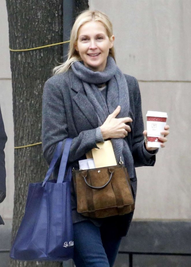Kelly Rutherford on Madison Avenue in New York