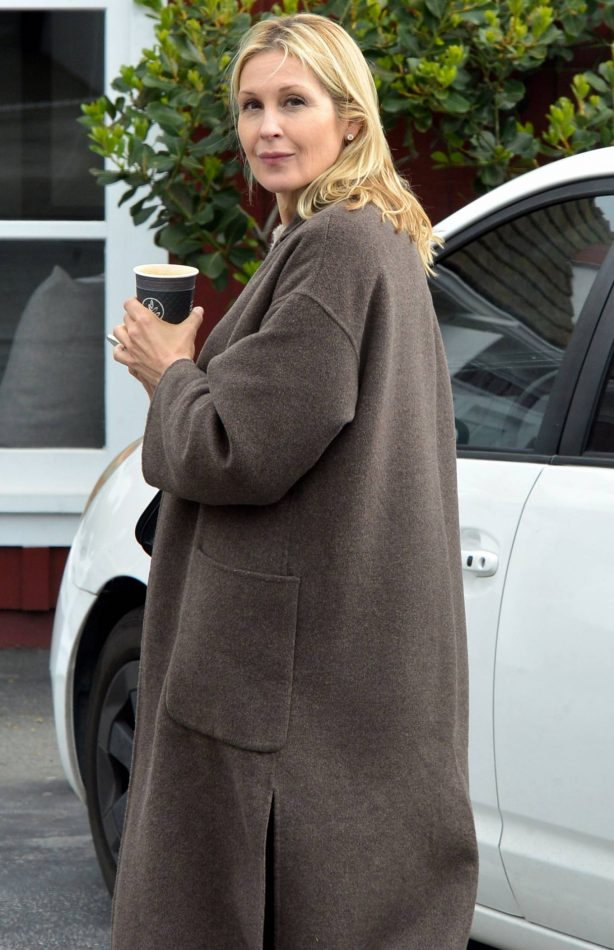 Kelly Rutherford - Out and about in Los Angeles