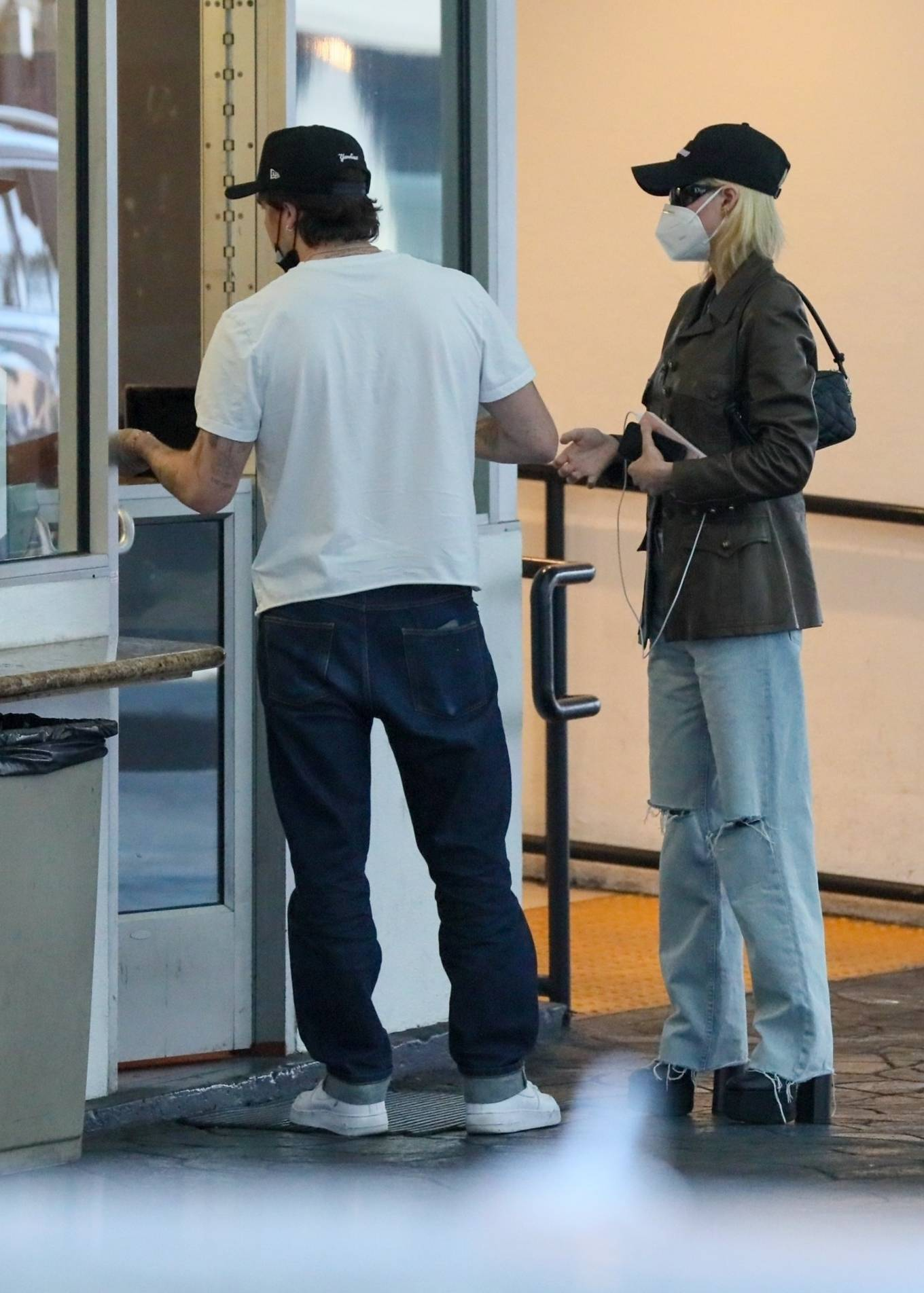 Kelly Rutherford - Out in Los Angeles