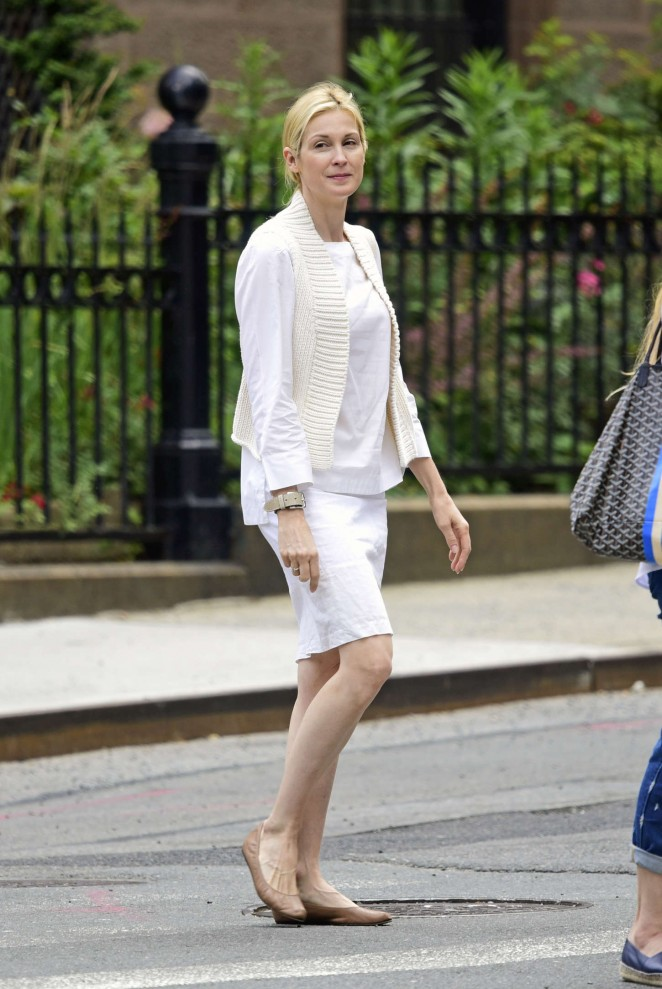 Kelly Rutherford out in NYC