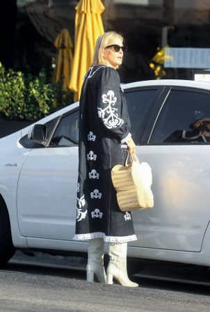 Kelly Rutherford - Out in West Hollywood
