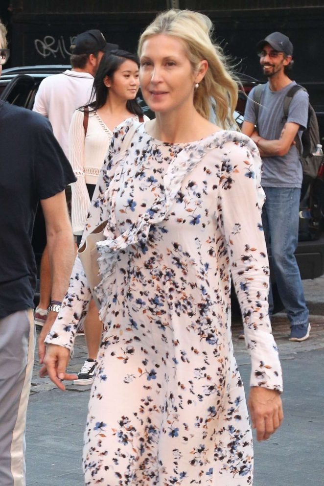 Kelly Rutherford - Seen out In New York