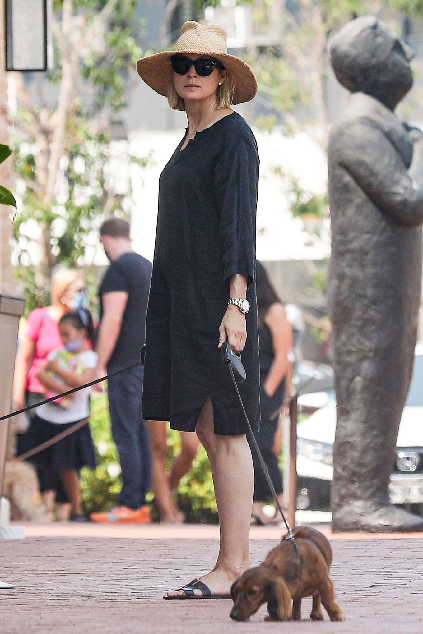 Kelly Rutherford 2020 : Kelly Rutherford – Shopping candids in Pacific Palisades-01